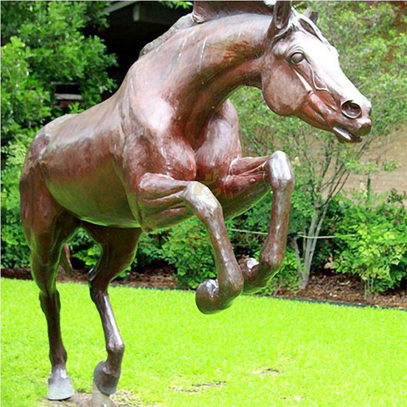 sculpture of horses