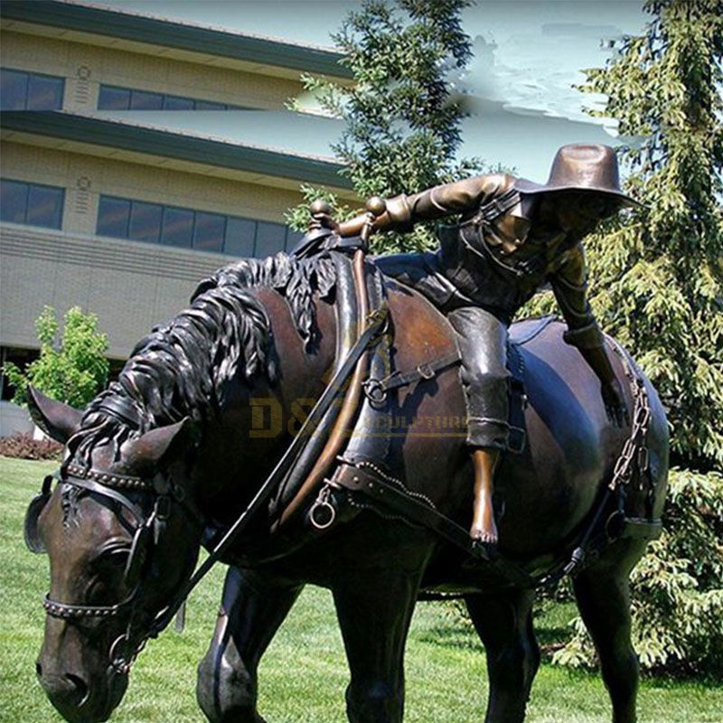 outdoor horse statues