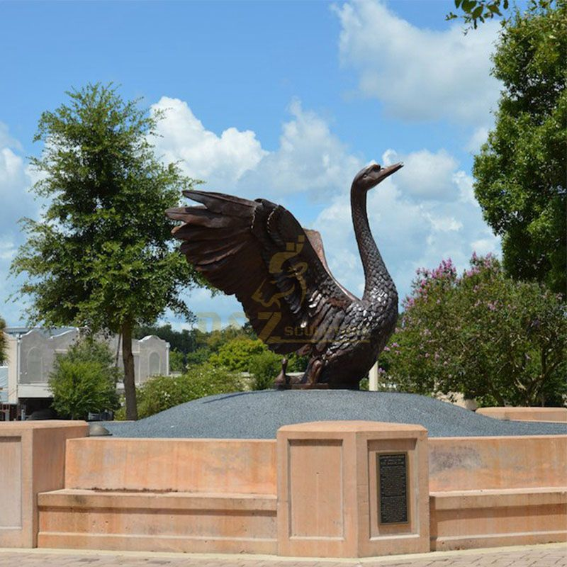 Life size swan statue