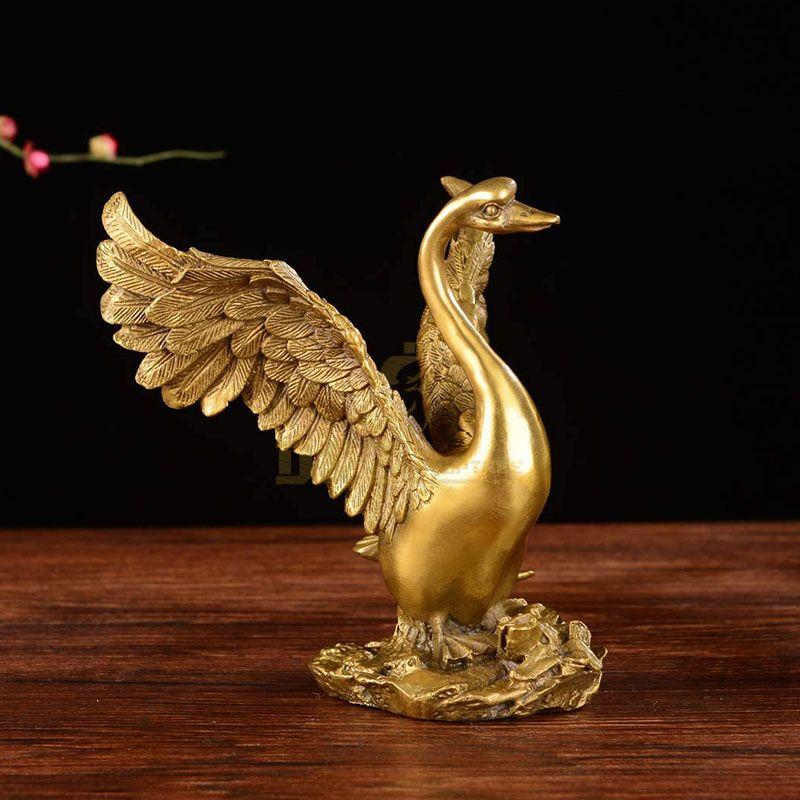 bronze swan statue