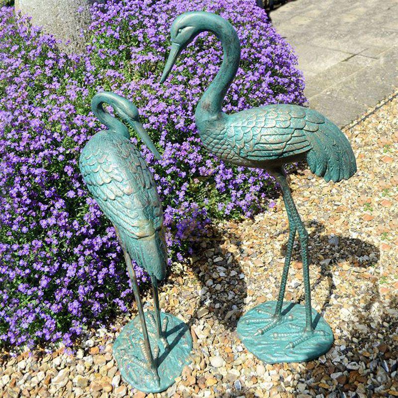aluminum crane statues