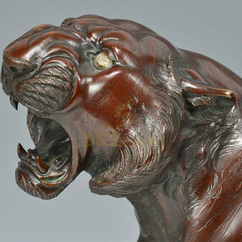tiger head statue