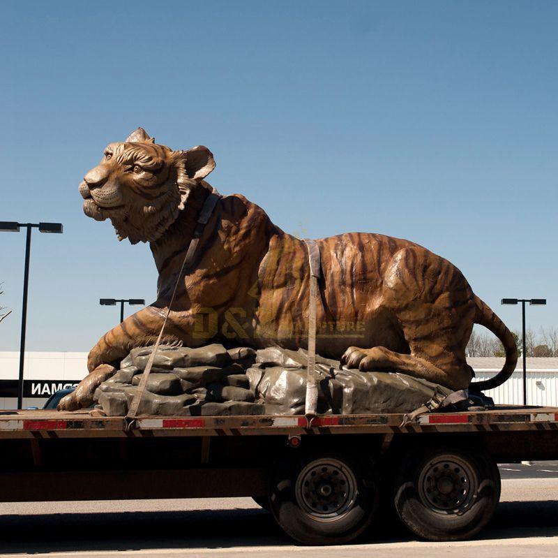 tiger statues