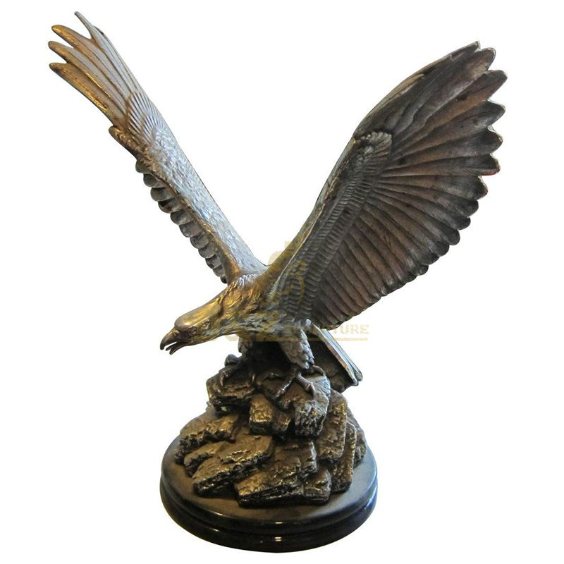 eagle sculpture metal