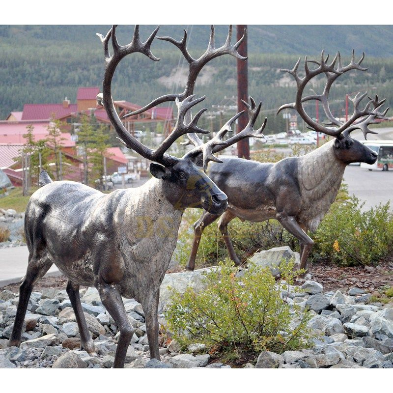 Outdoor metal animal decoration custom garden bronze reindeer sculpture for sale