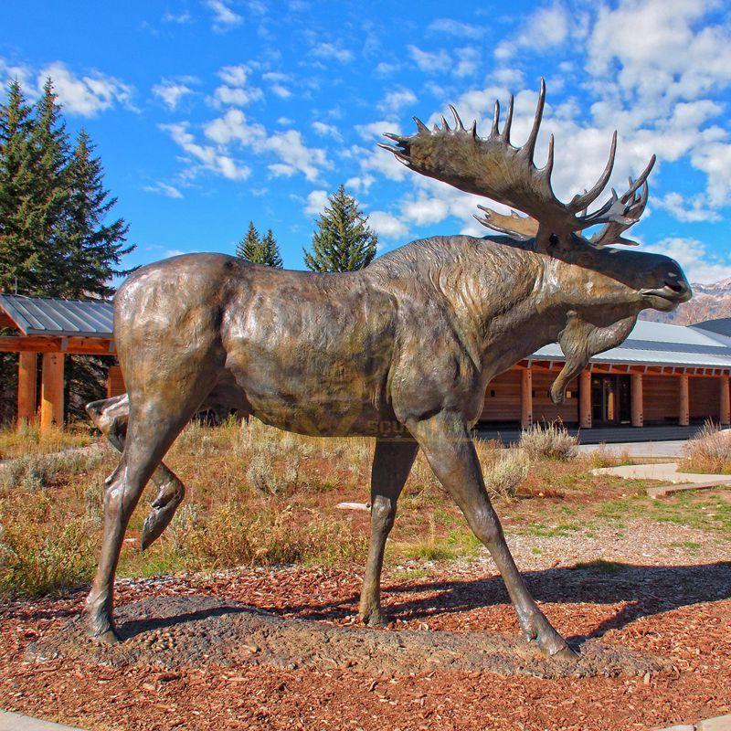 New design high quality hot sale lawn decoration moose sculpture