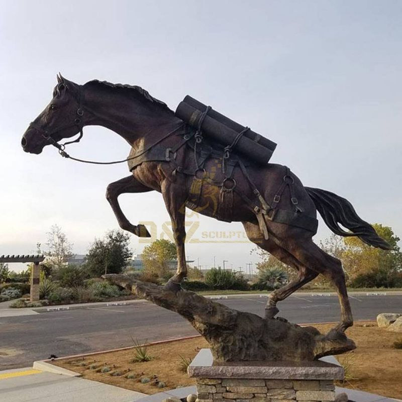 Life-size outdoor bronze horse sculpture garden decoration