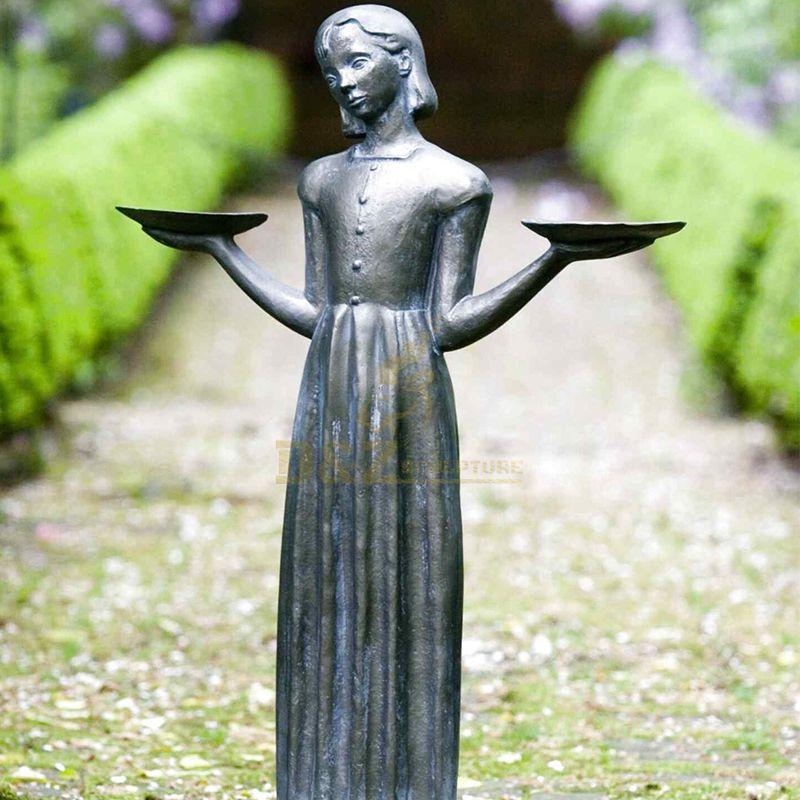 bird girl statue bonaventure cemetery