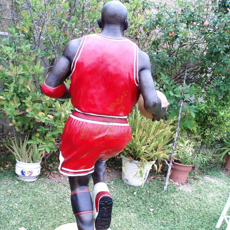 chicago bulls michael jordan statue
