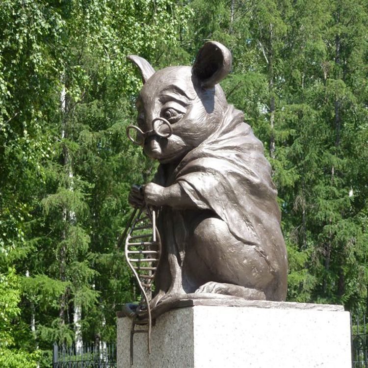 large size mouse statue