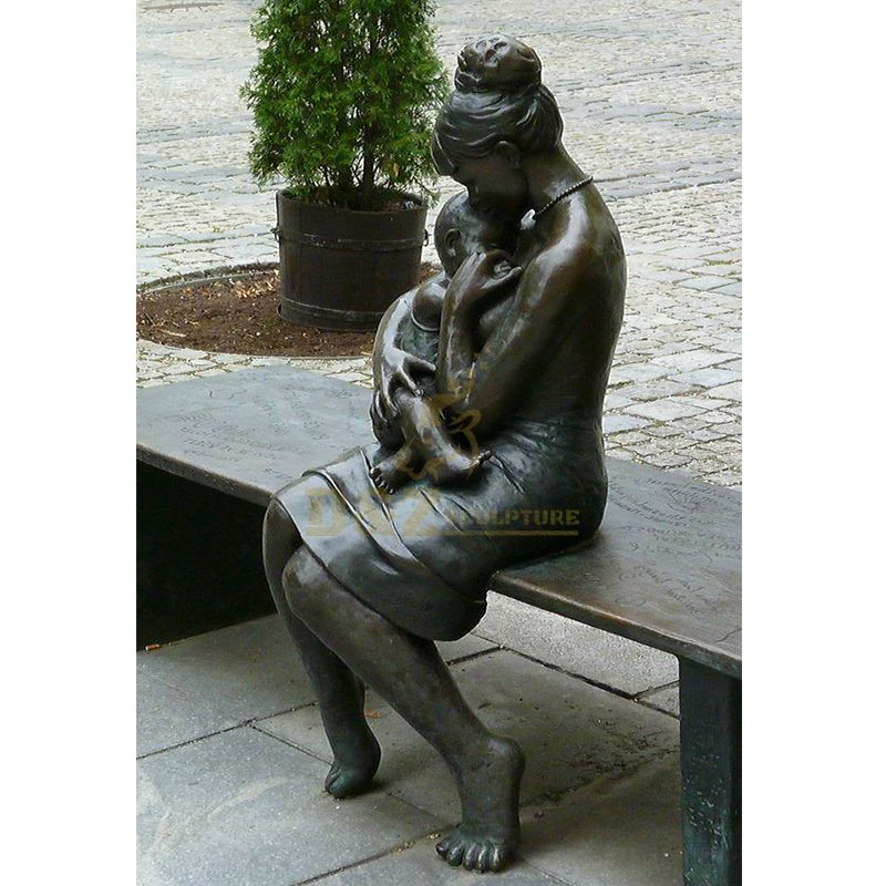 mother and baby statue