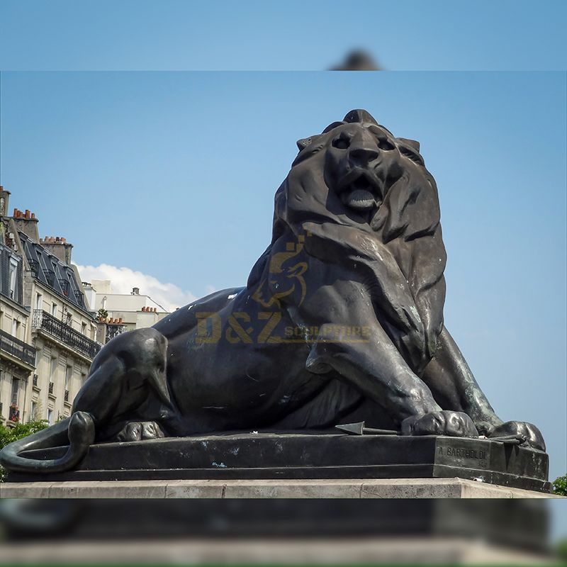 Outdoor famous bronze animal lying lion sculpture