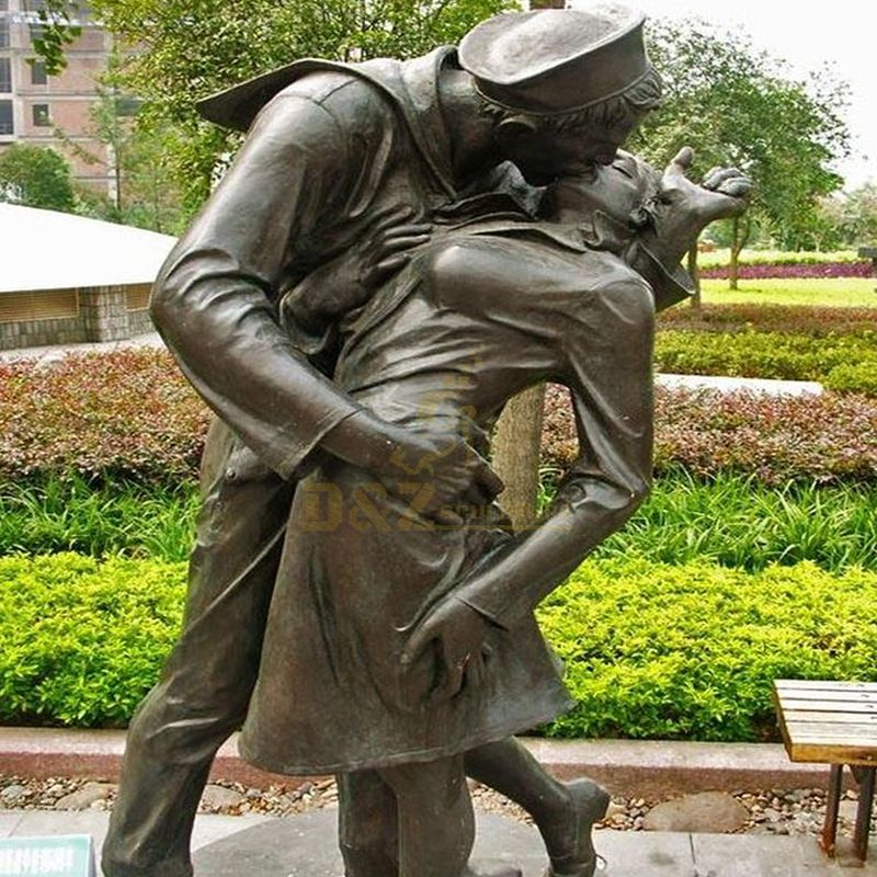 Outdoor life size sailor nurse kissing statue