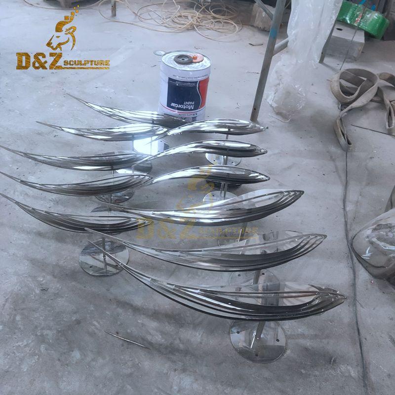 Factory wholesale exquisite modern metal art fish sculpture for sale