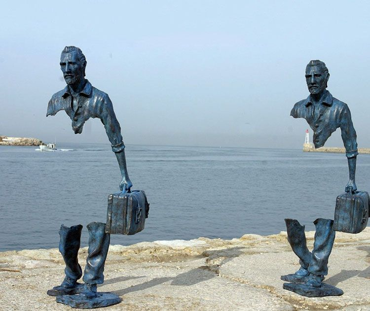 les voyageurs the traveler bronze sculpture