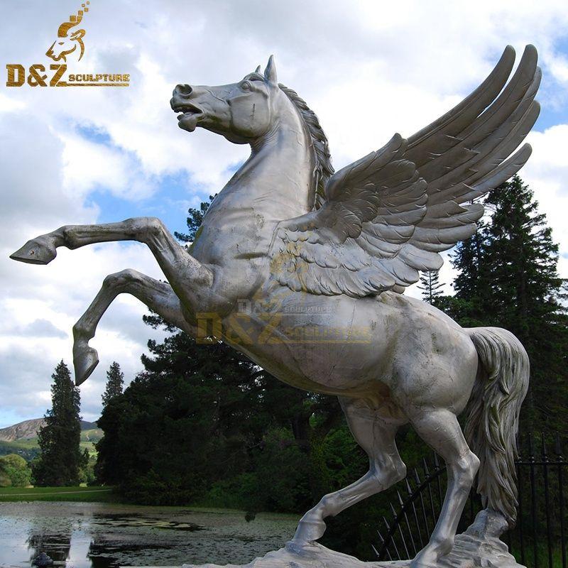 Brozne Pegasus garden statue for sale