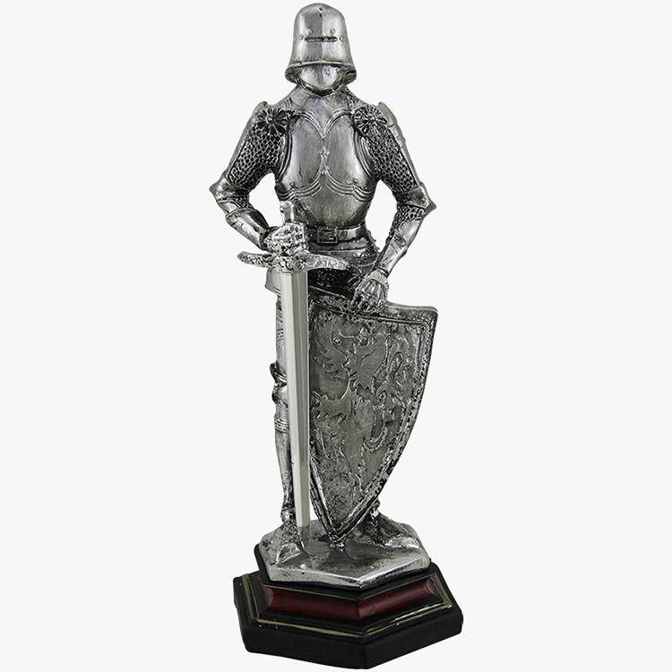 knight in armor statue