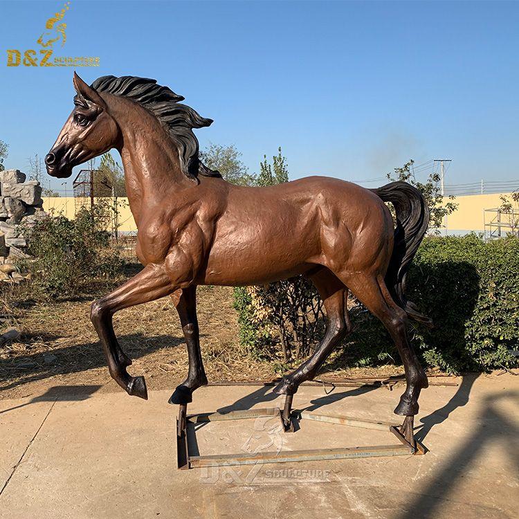 outdoor life size walking horse garden statue