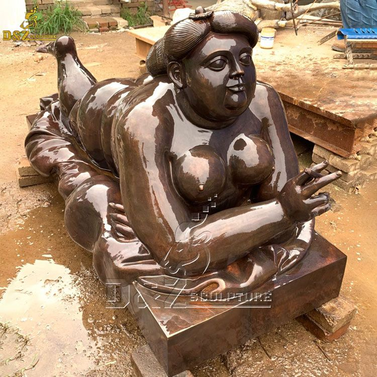 fat lady statue