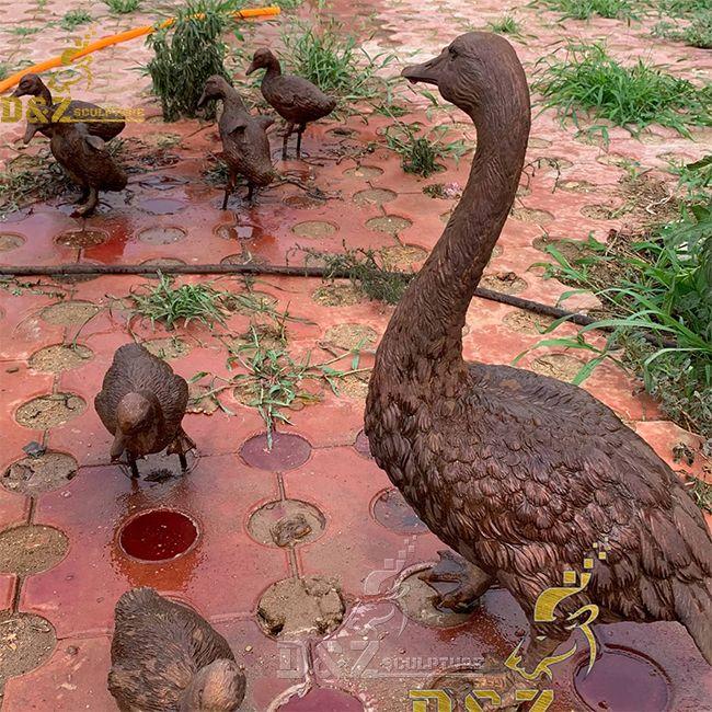 bronze outdoor duck mother and baby garden statues