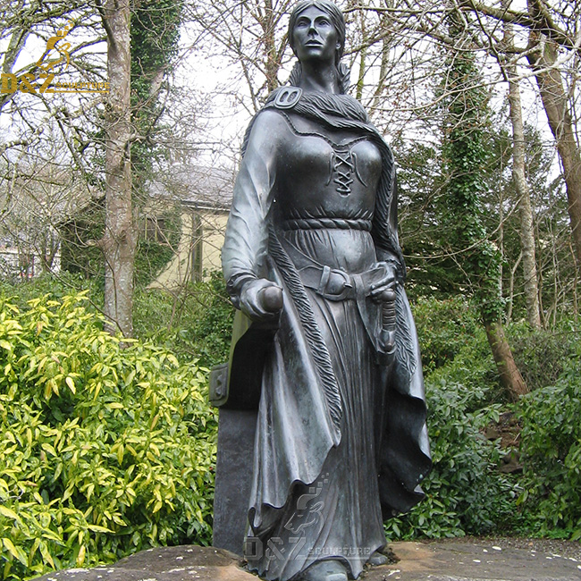 why is there a statue of grace o malley?