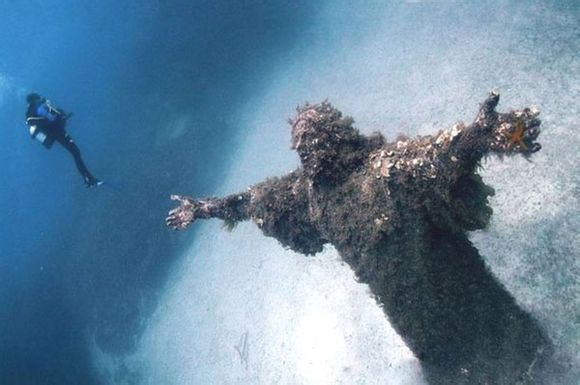 Where is the Jesus statue underwater?