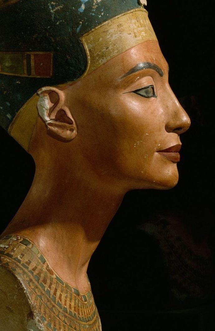 The most beautiful sculpture Bust of Nefertiti