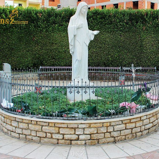 Our lady Queen of Peace of Medjugorje outdoor garden statue for sale