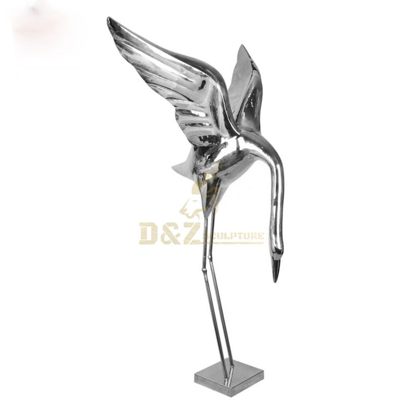Life size stainless steel animal cranes sculpture