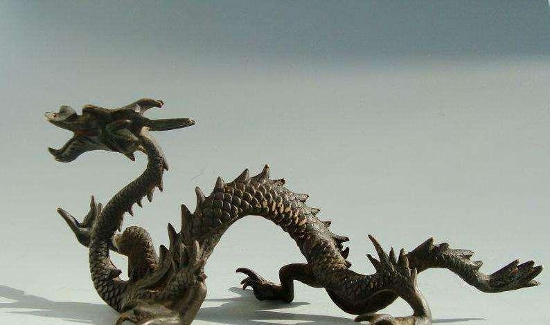Chinese dragon garden sculpture