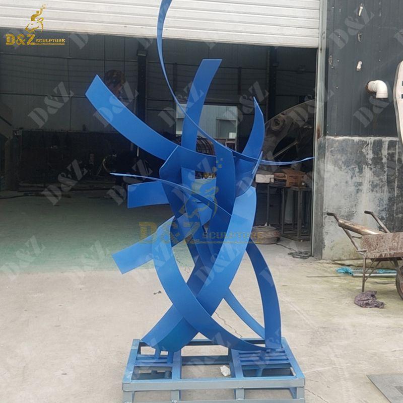 Streamer Shape Abstract Metall  Sculpture