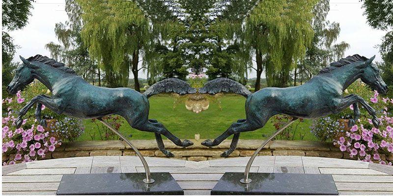 garden horse sculpture