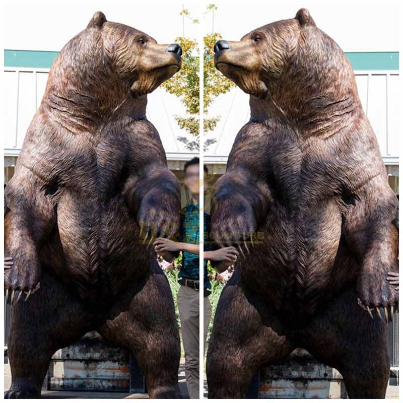 Cute bronze bear statues for garden decorations
