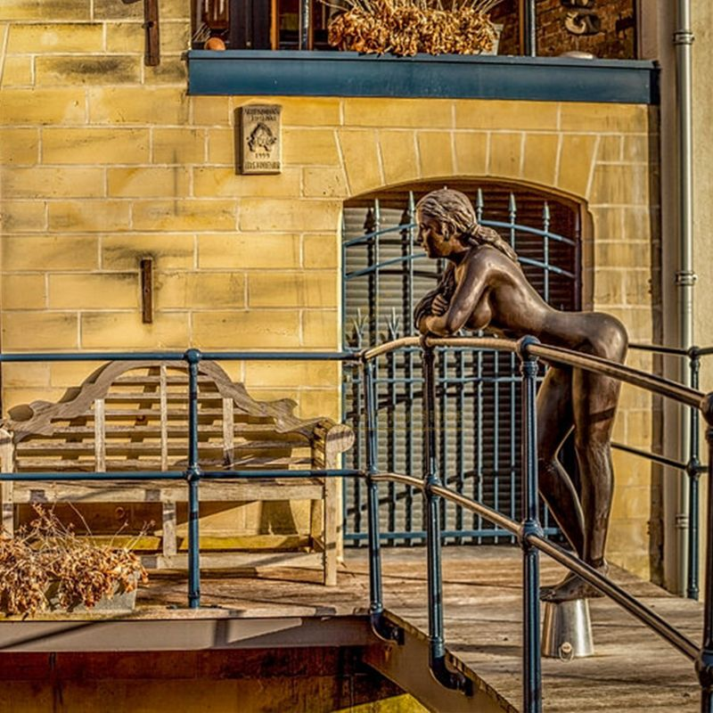 Outdoor large naked girl statue for sale