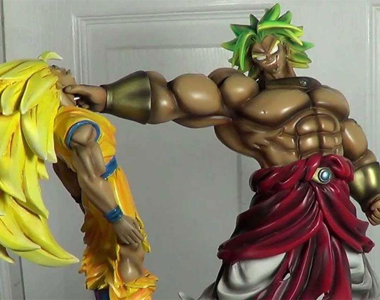 Broly holding Goku Statue