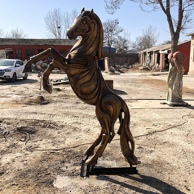 large metal horse statue