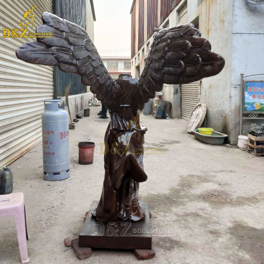 headless nike statue
