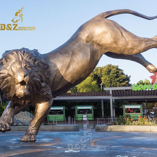 giant lion statue